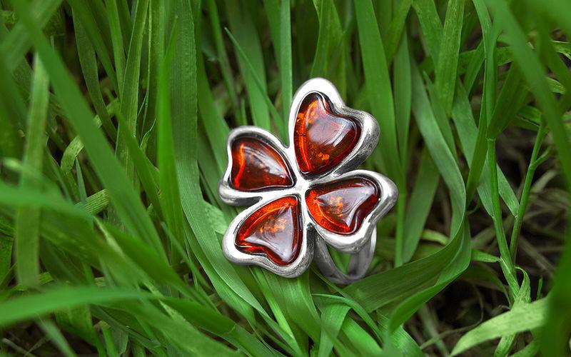 Кольцо-символ удачи Четырехлистный клевер