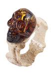 Кольцо из рога оленя и янтаря «Череп»